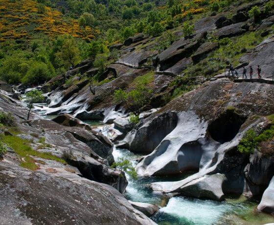 los pilones en el valle del jerte Ruta de senderismo Garganta de los Infiernos