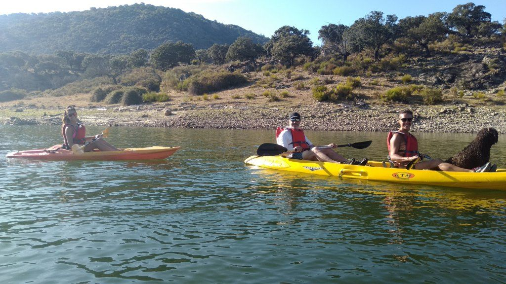 kayak con perro valle del jerte
